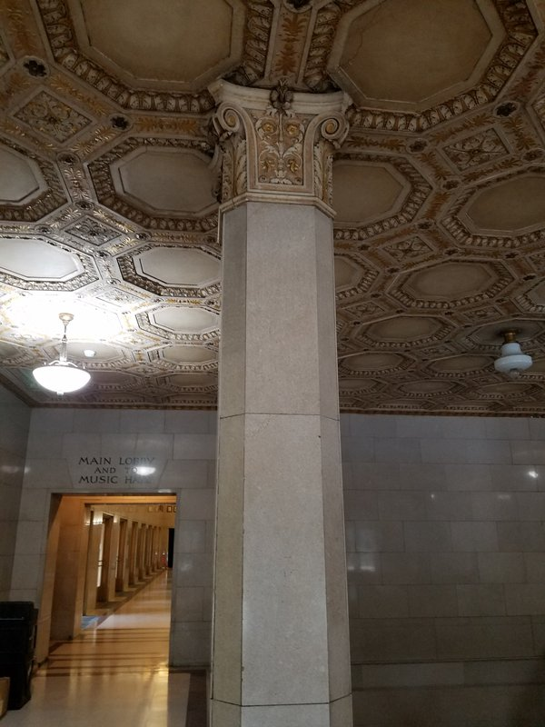 cleveland/decorative-ceiling-column.jpg
